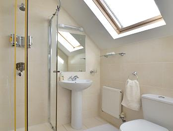 Triple bedroom ensuite with shower/WC/hand basin